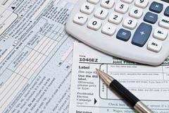 1040EZ IRS Formulare Stockbilder