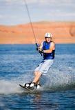 11个湖wakeboarding人的powell 免版税库存照片