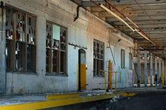 11 övergiven fabrik Arkivfoto