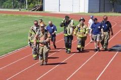 11 sep, 2011 - beklimt de HerdenkingsTrede van de Brandbestrijder Stock Foto's