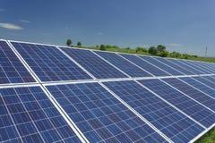 11 sol- paneler Arkivfoton