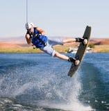 12个湖wakeboarding人的powell 免版税库存图片
