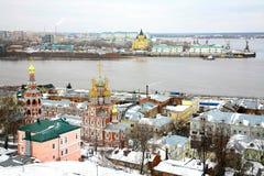 12月视图Stroganov教会,大教堂Nevsky下诺夫哥罗德 免版税图库摄影