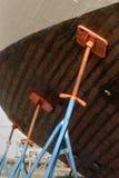 12条小船码头干燥捕鱼 免版税图库摄影