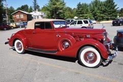 12 1937 antika bilcabrioletpackard Arkivbild