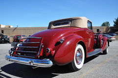 12 1937 antika bilcabrioletpackard Arkivbilder