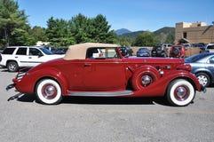 12 1937 antika bilcabrioletpackard Royaltyfri Foto