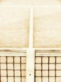 有线和网的(123)网球场 免版税库存图片