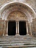 12th århundradeskulpturtympanum Arkivfoto