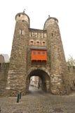 13世纪门和墙壁 免版税库存图片