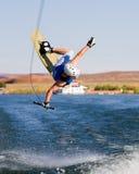 13个湖wakeboarding人的powell 免版税库存照片