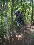 13辆自行车上涨山 免版税图库摄影