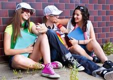 13 подростка Стоковая Фотография