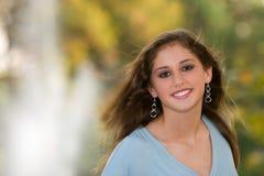 13 anni Wind-blown teenager. Immagine Stock Libera da Diritti