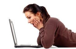 14台膝上型计算机妇女工作 库存照片