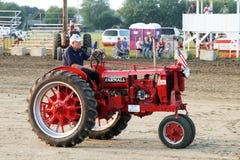 14 1938 traktor för f-farmallmodell Royaltyfria Bilder