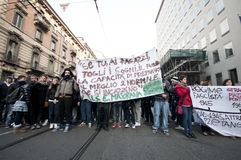 14 2010 december demonstrationsmilan deltagare Royaltyfria Bilder