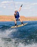 15个湖wakeboarding人的powell 库存图片
