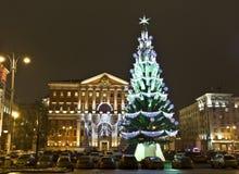 15 2011年圣诞节俄国12月莫斯科结构树 免版税库存照片