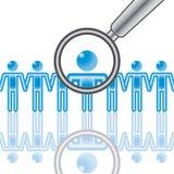 15. Angestellt-Recherche im Blau. Stockfotos