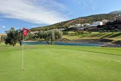 15de Groen bij Alhaurin golfcursus op de Costa del Sol Stock Foto