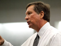 16 2011年德顿市2月州长约翰kasich俄亥俄 免版税库存图片