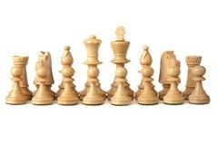 16 chesspieces blancos en su orden del comienzo Imágenes de archivo libres de regalías