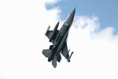 16 f猎鹰战斗喷气机 免版税库存照片