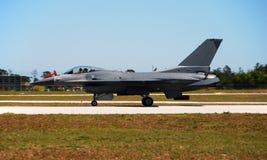 16 f现代的喷气式歼击机 图库摄影