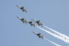 16 flyby USAF απωλειών ταχύτητος στη& Στοκ φωτογραφίες με δικαίωμα ελεύθερης χρήσης