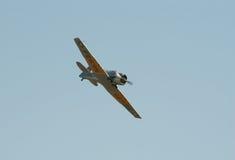 AT-16 Harward II im Flug Lizenzfreie Stockfotos