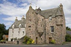 16. Jahrhundert-schottisches Kontrollturm-Haus Stockfotos
