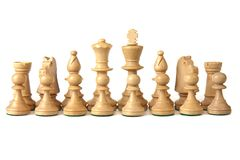 16 weiße chesspieces in ihrer Anfangsordnung Lizenzfreie Stockbilder