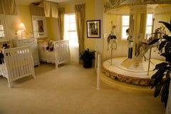 1632 behandla som ett barn sovrummet Royaltyfria Foton