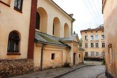 17世纪美丽的老街道  库存照片