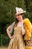 18个世纪衣裳妇女年轻人 免版税库存照片