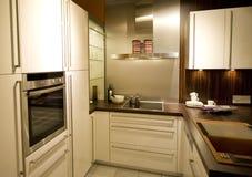 18个厨房现代新的缩放比例 免版税库存照片