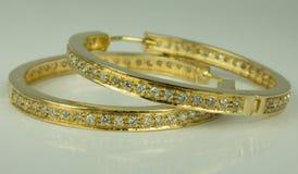 18 σκουλαρίκια ο χρυσός Karat Στοκ εικόνα με δικαίωμα ελεύθερης χρήσης