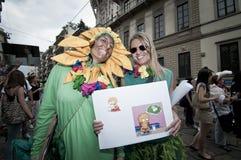 18 2011拿着6月米兰自豪感素食者 免版税库存图片