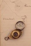 1872 hand getrokken kaart en oud kompas Stock Afbeelding