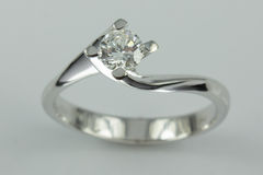 18k white gold ring Stock Photos
