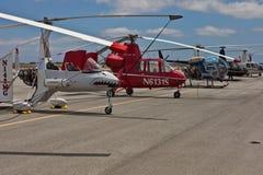 19架加州卡洛斯显示直升机6月圣 免版税库存照片