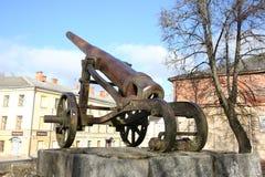 19世纪大炮在陶格夫匹尔斯堡垒 免版税库存图片