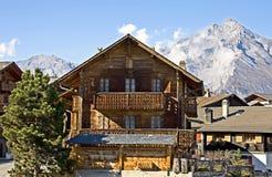 19 vieux Suisses de maison Image stock