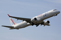 190航空采取的embraer欧罗巴 免版税库存图片