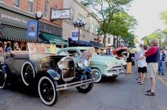 1928 Doorwaadbare plaats ModelA en 1950 Chevrolet tweede Luxe Stock Fotografie