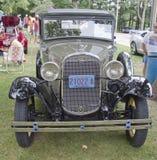 1931年福特城镇轿车正面图 库存图片