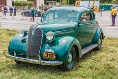 1937年普利茅斯小轿车 免版税库存照片