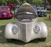 1938年福特小轿车正面图 图库摄影