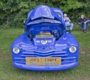 1947年Chevy 2门小轿车正面图 图库摄影